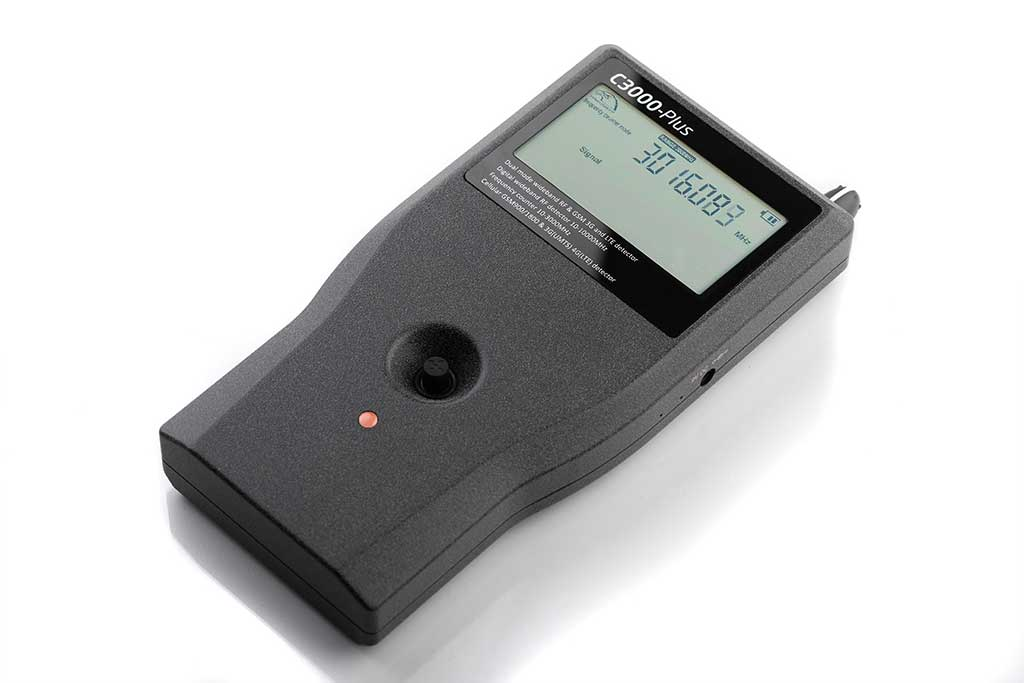 The professional detector of spy equipment ST3000 plus-3